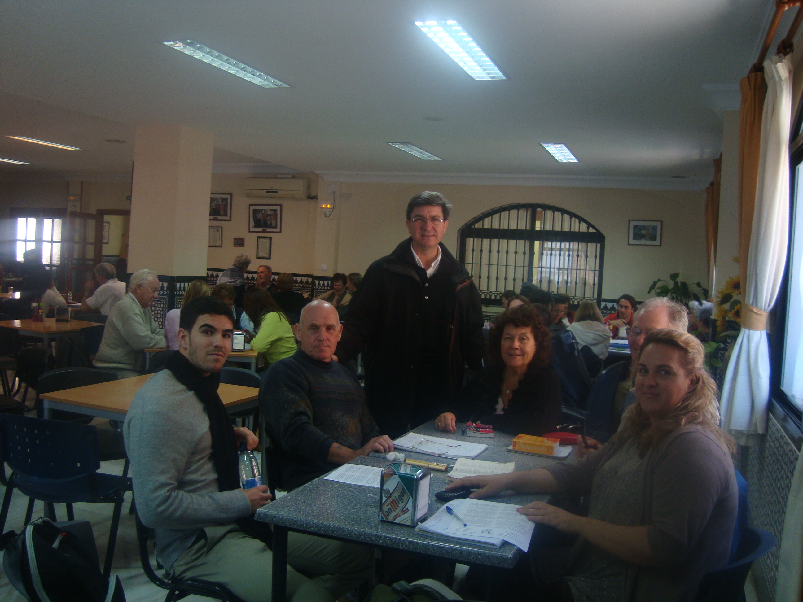 The Councilar for Foreign Residents visits language workshop in Arroyo de la Miel