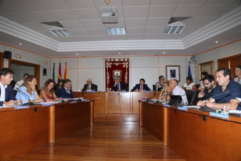 EL AYUNTAMIENTO DE BENALMÁDENA MODIFICA LA ORDENANZA REGULADORA DEL SERVICIO DE TRANSPORTE PÚBLICO PARA OTORGAR NUEVAS LICENCIAS DE TAXI