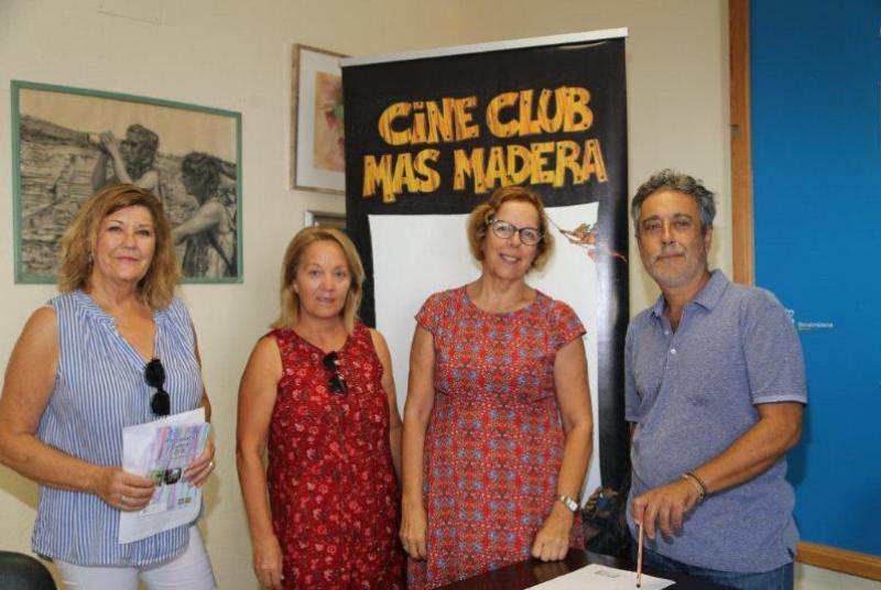 EL CINE-CLUB 'MÁS MADERA' ARRANCA SU NUEVA TEMPORADA RECIBIENDO LA DISTINCIÓN DE 'BENALMADENSE DEL AÑO'
