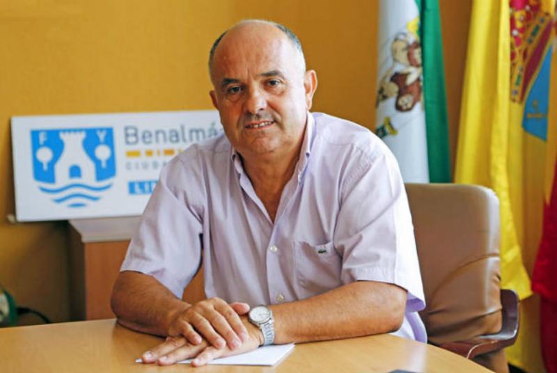 SERVICIOS OPERATIVOS REPONEN EL CABLEADO ROBADO EN EL PARQUE BENAMAINA SUR Y CALLE JABEA