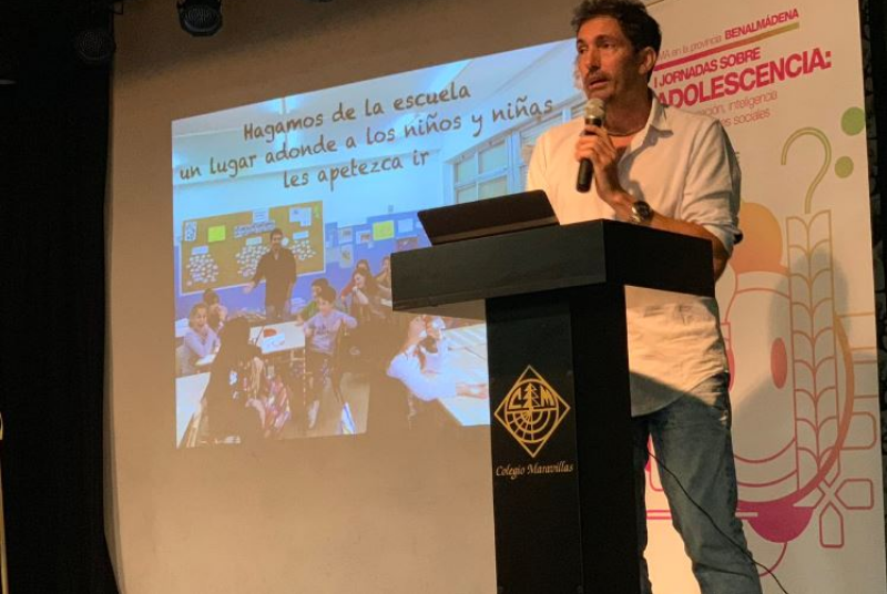 LA FGUMA Y LA CONCEJALÍA DE JUVENTUD ORGANIZAN LAS PRIMERAS JORNADAS SOBRE ADOLESCENCIA EN LOS INSTITUOS Y EL EDIFICIO INNOVA