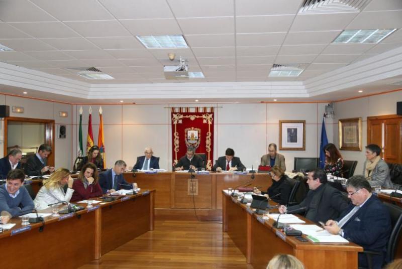 """EL PLENO APRUEBA POR UNANIMIDAD APOYAR LAS MEDIDAS TOMADAS POR EMABESA PARA LA DEVOLUCIÓN DEL CANON DE MEJORA """"INJUSTAMENTE COBRADO"""""""