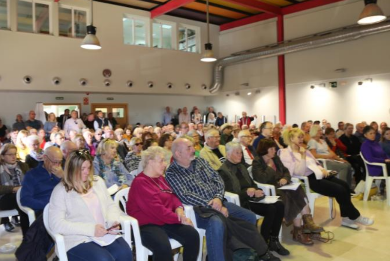 El Alcalde Víctor Navas y la Concejal Ana Schermam participan en un encuentro con la comunidad de residentes británicos sobre el 'Brexit'
