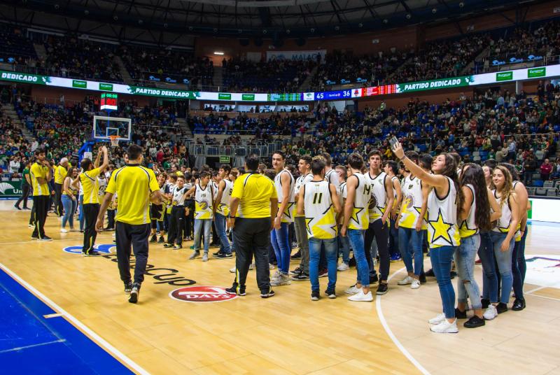 El Club Basket Benalmádena y las escuelas municipales de baloncesto presentan sus equipos en el Palacio de los Deportes Martín Carpena.
