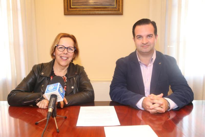 El Ayuntamiento firma un convenio con la orquesta Iberian Sinfonietta para que establezca su residencia en Benalmádena.