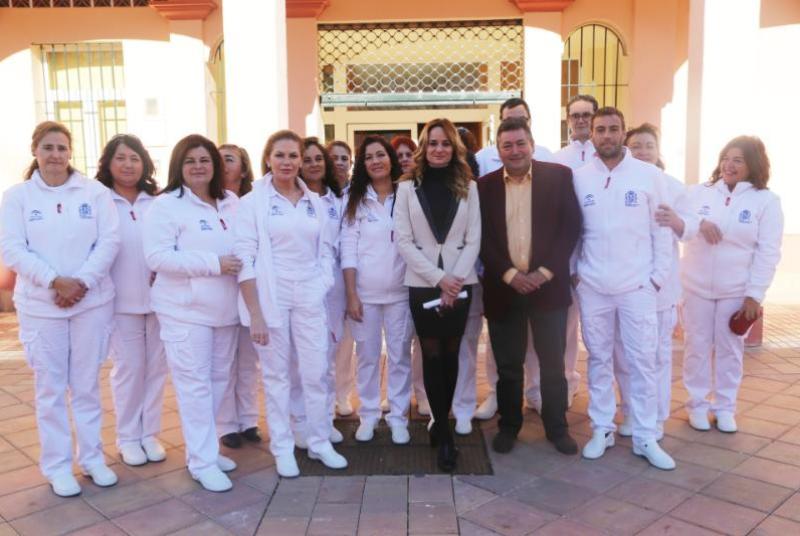 La Concejal Beatriz Olmedo visita el taller de empleo 'Benalmádena: Salud y Bienestar Social'.