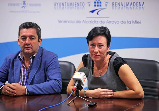 Servicios Operativos retira 45 metros cúbicos de chatarra y basura del conjunto residencial 'Eucalipto' en Béjar