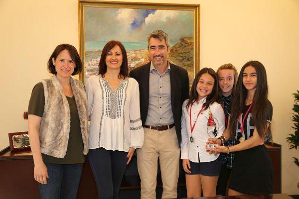 Las alumnas de la academia de baile de Rocío Solana, ganadoras del Campeonato Nacional de Baile 'Vive tus Sueños' en la categoría de flamenco