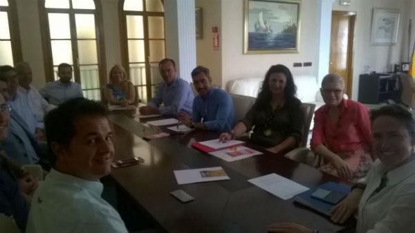 El Equipo de Gobierno establece con la ACEB un calendario de encuentros para la creación de la Mesa Sectorial del Comercio
