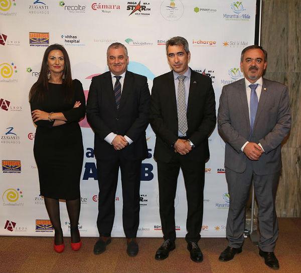 El Alcalde de Benalmádena, Víctor Navas; el Consejero de Empleo, Javier Carnero y el Presidente de la CEA, Javier González de Lara, presidieron la gala del XXX Aniversario de la Aceb