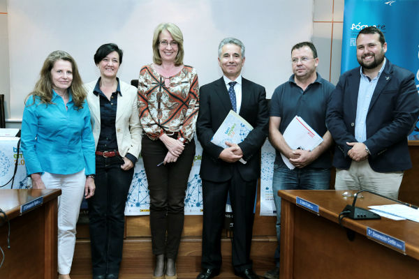 La alcaldesa preside el acto de incorporación de Aehcos al Pacto Local por el Empleo de Benalmádena