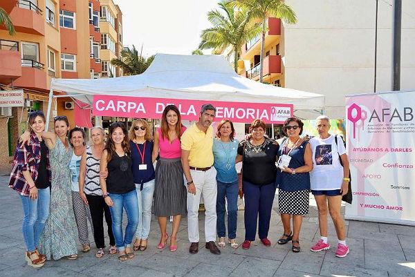 El Alcalde Víctor Navas y las Concejalas Irene Díaz y Alicia Laddaga participan en la carpa de la memoria instalada por AFAB como cierre de la Semana de la Lucha Contra el Alzheimer