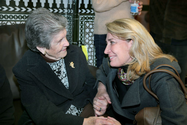 La alcaldesa agradece la generosidad de los vecinos en las distintas iniciativas solidarias durante la Navidad
