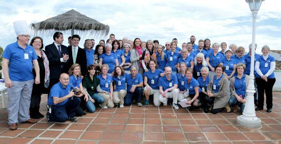 La regidora asiste a la celebración del 40 aniversario de la Clínica Montebello