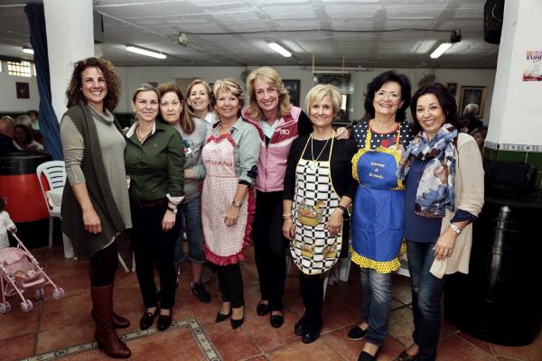 La alcaldesa acompaña a la Peña Rociera de Arroyo de la Miel durante la celebración de su XXX Aniversario