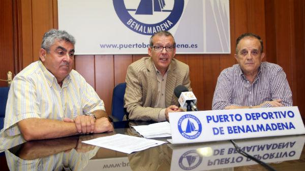 El Puerto Deportivo colabora con un equipo de buceo para la investigación submarina de restos de embarcaciones históricas