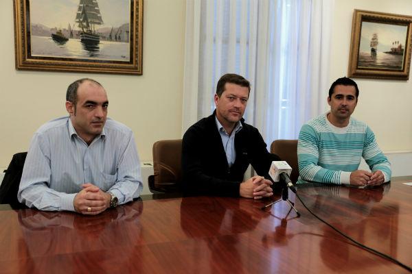 El Ayuntamiento apoya a los taxistas de Benalmádena en sus movilizaciones contra el proyecto de decreto de la Junta
