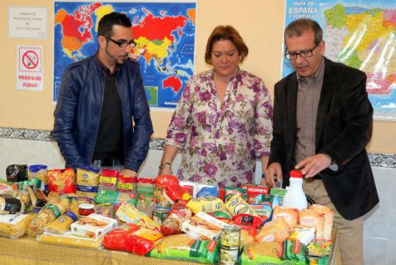 Aprobe hace entrega de más de 150 kg de comida a la Asociación Comedor Social