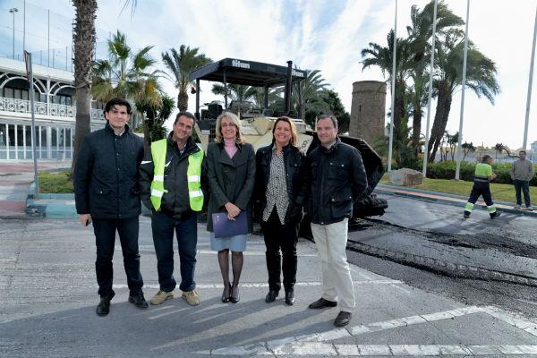 Vías y Obras pone en marcha los trabajos de pavimentación y asfaltado en la Glorieta de Solymar y su entorno