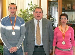 El Ayuntamiento homenajea a los mejores atletas benalmadenses