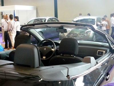 Comercio impulsa un mercado de vehículos de ocasión