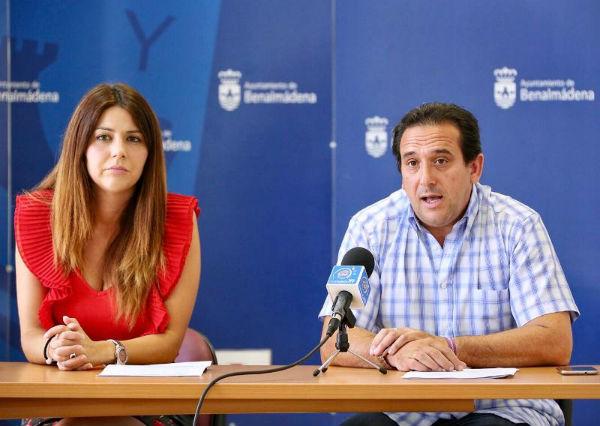 Los concejales Irene Díaz y Enrique García informan sobre el inicio de las convocatorias de ayuda al alquiler para las personas con ingresos limitados y a la rehabilitación de edificios.