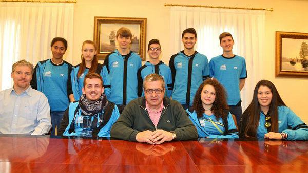 El Concejal de Deportes recibe al equipo filial del Club de Badminton de Benalmádena tras resultar ganador de la fase andaluza de la 2ª Liga Nacional en Categoría Absoluta