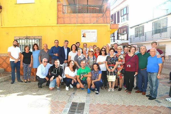 El Alcalde inaugura en Pasaje de San Juan el azulejo en homenaje a Juana Ruíz Marín 'La Barrabala'