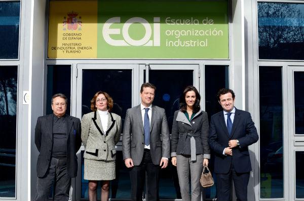 El Ayuntamiento de Benalmádena y la EOI apoyan la competitividad de las empresas y lanzan un programa de Becas