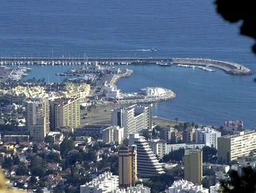 Reunión del Ayuntamiento con empresarios de Solymar y Puerto Marina