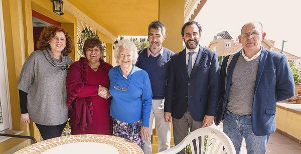 Visita del Ayuntamiento de Benalmádena a CUDECA.