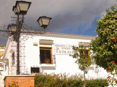 La Biblioteca Manuel Altolaguirre Celebra el Día de la Mujer Trabajado