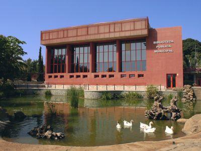 La biblioteca de Arroyo recibe la primavera con más de 600 nuevos documentos