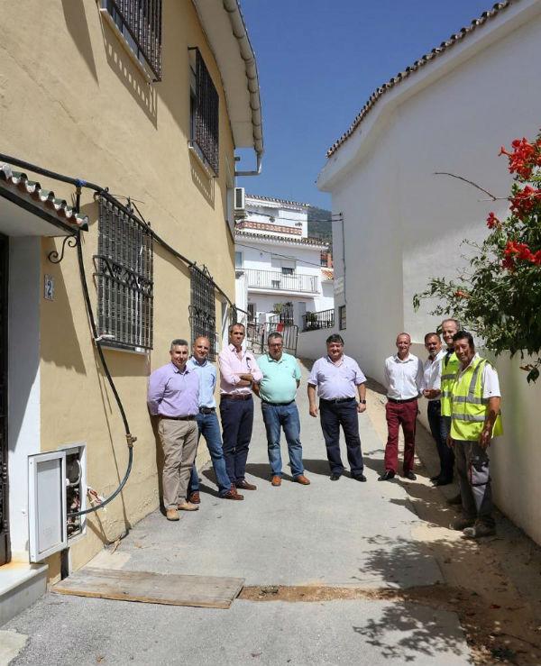 Emabesa inicia obras de renovación de la red de abastecimiento y asfaltado en Calle Relenguillo