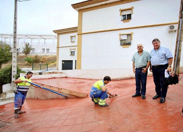 El Ayuntamiento acomete mejoras en la Calle Trinidad de Benalmádena Pueblo