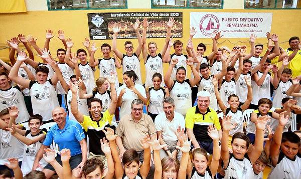 El Alcalde y el Concejal de Deportes visitan los Campus Deportivos de Verano del PDM de Benalmádena