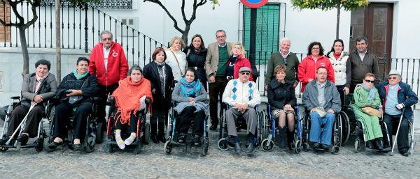 Más de 200 benalmadenses con problemas de movilidad reducida participarán en la novena temporada de 'Contamos contigo, sin barreras'