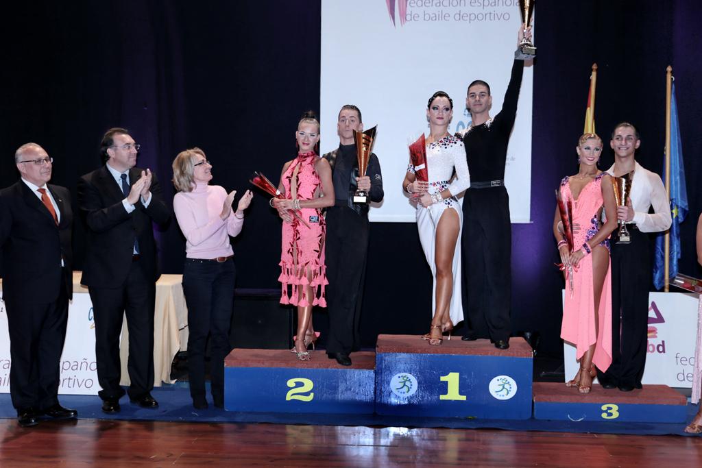 La alcaldesa preside el acto de clausura y entrega de premios del Campeonato Nacional de 10 Bailes