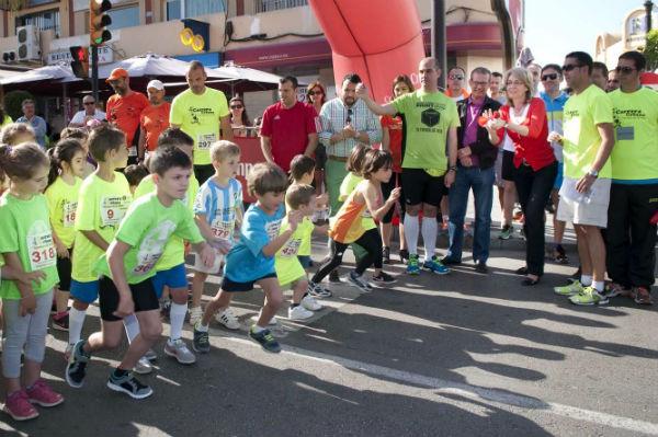 Más de medio millar de corredores participan en la IV Carrera Urbana de Benalmádena