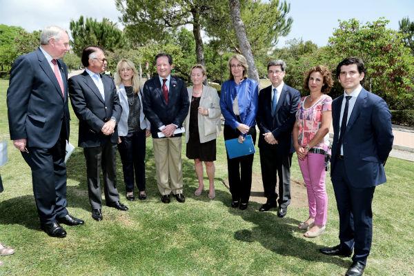 La regidora comparte la celebración del 8 de mayo con la Unión Francófona en el Extranjero