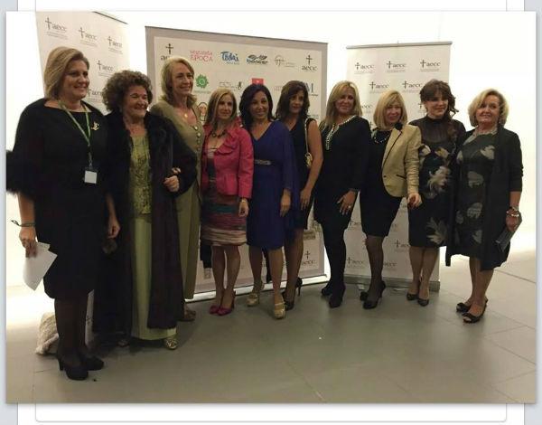 La alcaldesa asiste a la cena anual de la Asociación Contra el Cáncer en la Diputación Provincial
