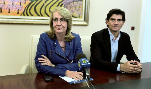 El consejo de administración del puerto refrenda la decisión de la alcaldesa de destituir a Francisco Salido