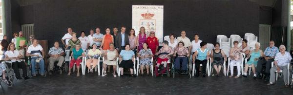 La alcaldesa clausura el taller 'También podemos bailar' dirigido a personas con movilidad reducida
