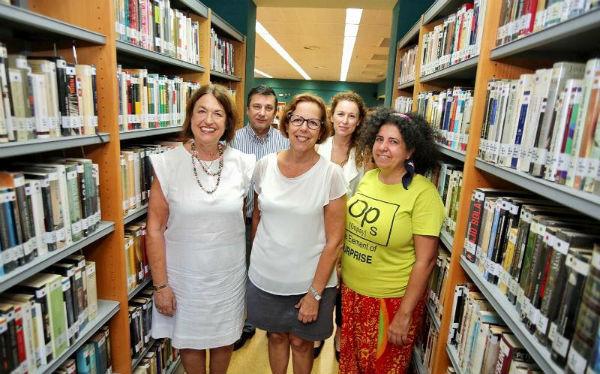 Los clubes de lectura de la Biblioteca del Arroyo de la Miel remontan su actividad.