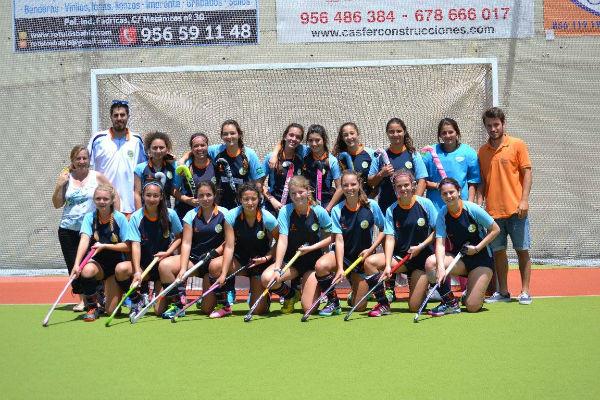 El equipo cadete femenino del Club Hockey Benalmádena se clasifica para el ...