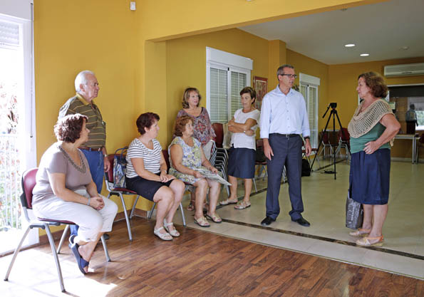 Francisco Salido inagura las actividades de los centros de mayores del municipio