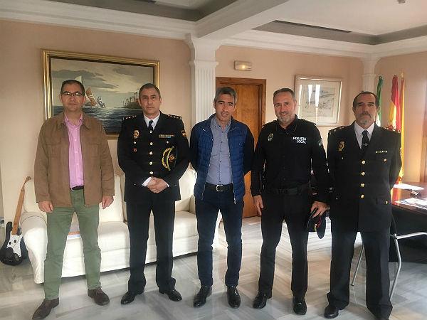 El Alcalde Víctor Navas, y el Concejal Javier Marín mantienen un encuentro con el nuevo Comisario de la Policía Nacional en Benalmádena-Torremolinos