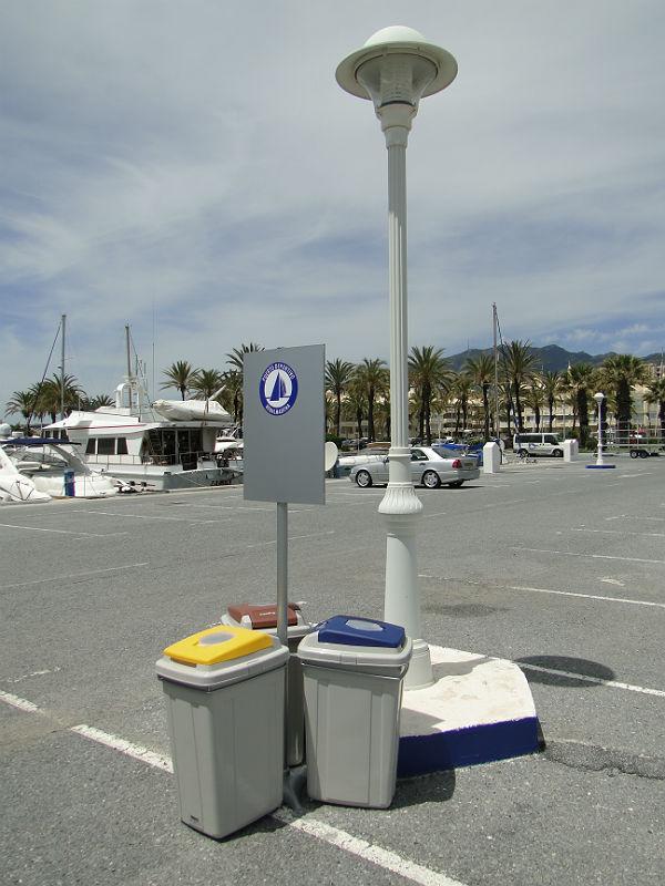 El Puerto Deportivo Estrena Puntos Limpios