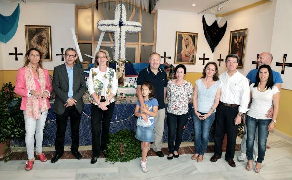 Benalmádena da la bienvenida por todo lo alto al mes de mayo con la festividad de Las Cruces