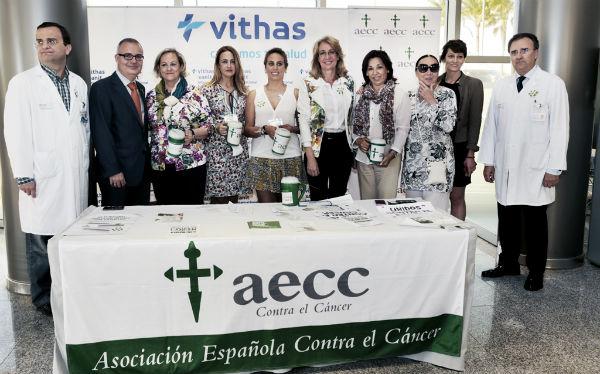 Benalmádena muestra de nuevo su solidaridad con la Asociación Contra el Cáncer en su cuestación anual